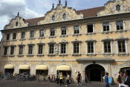 Würzburger Stadtbücherei (Falkenhaus). © etfoto - Fotolia.com