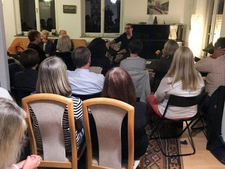 Literatur im Salon: Pierre Jarawan liest, erzählt und berichtet